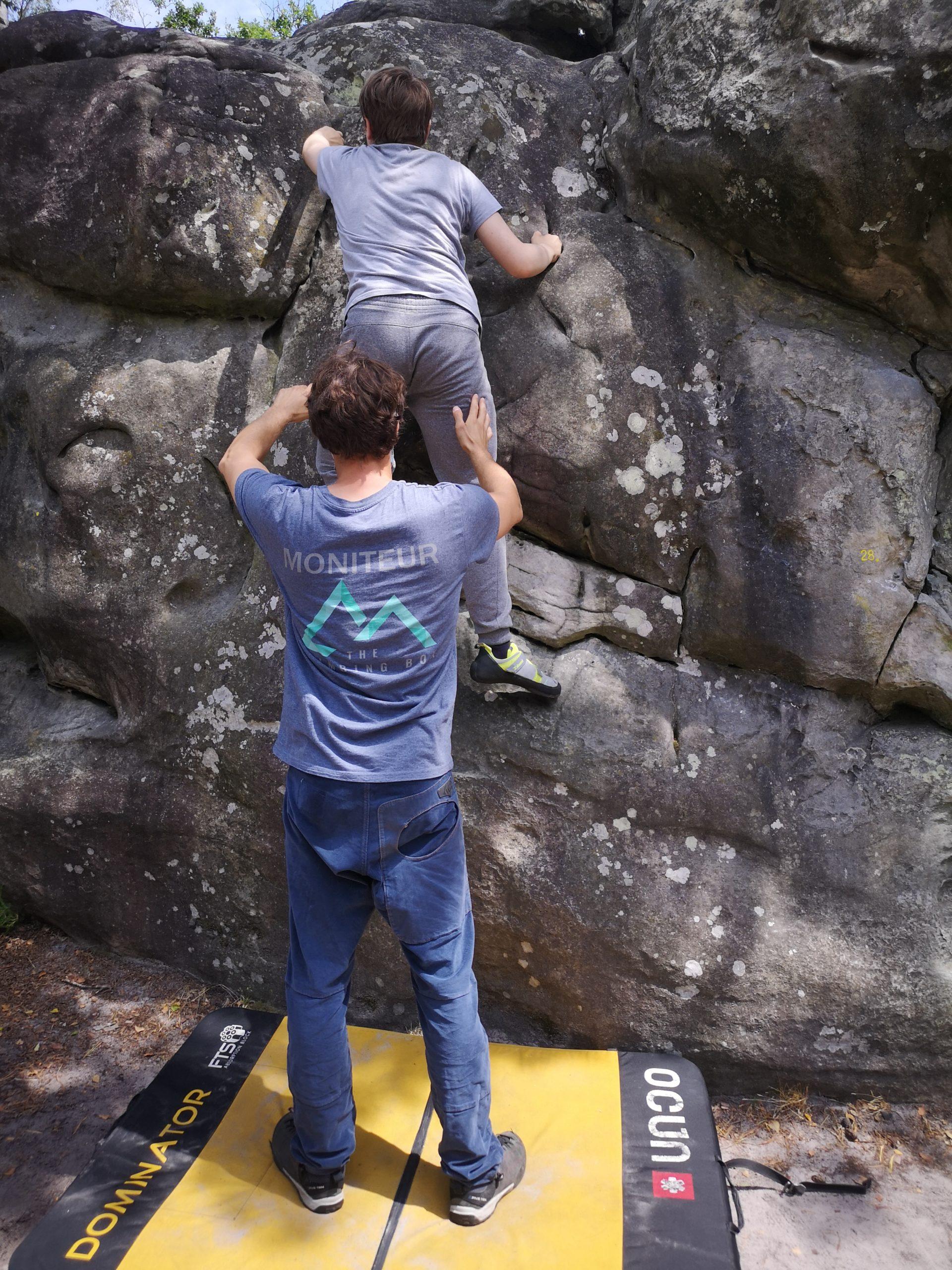 grimper falaise escalade